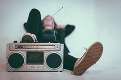 promovare radio prin campanii de publicitate la radio.